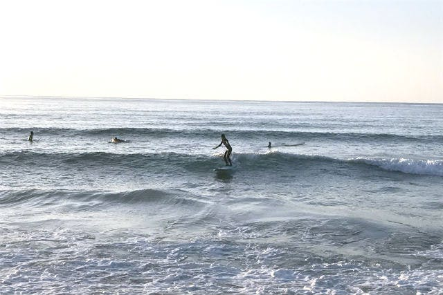 KAZBO Surf and SUP(カズボサーフアンドサップ) (奄美大島・奄美市 サーフショップ・サーフィンスクール その他)の「【奄美大島・サーフィン】リゾート気分を満喫!奄美でサーフィンレッスン」の画像