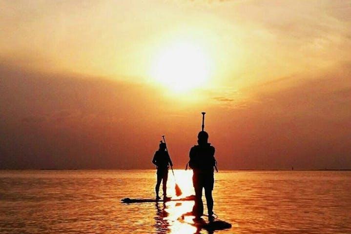 沖縄・久米島・SUP】夕日がきれいに見えるアーラ浜でサンセットSUP ...