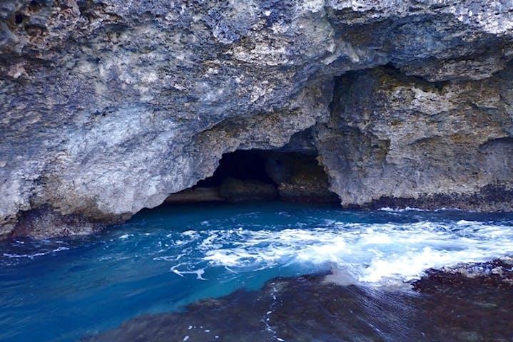 石垣 島 青 の 洞窟