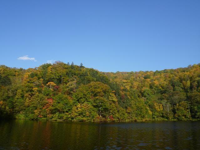 紅葉半月湖