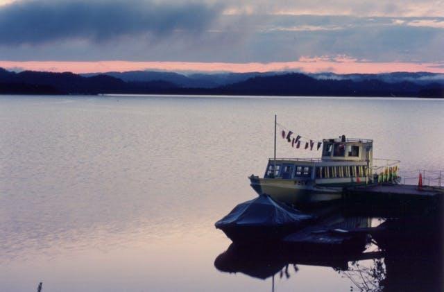 朱鞠内湖一周遊覧船