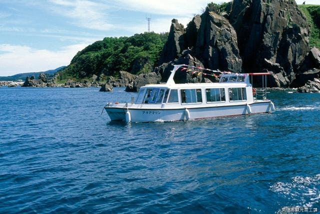 遊覧海底透視船