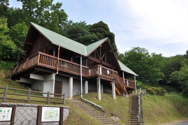 三ツ石森林公園「もりの小屋」