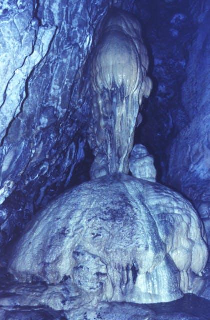 出流の鍾乳洞