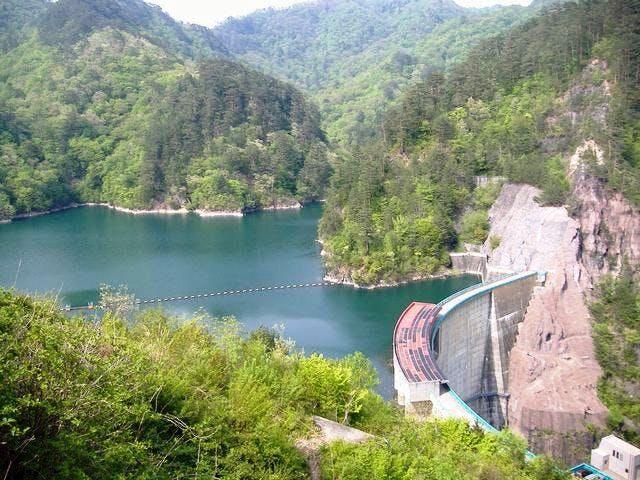 川俣湖とダム