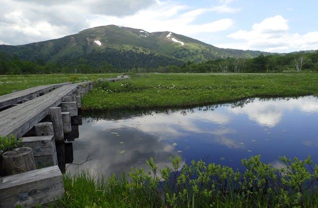 至仏山と池塘