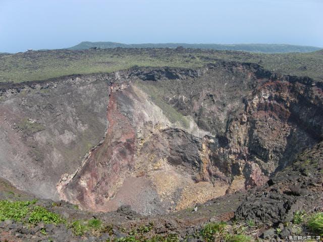 三原山噴火口