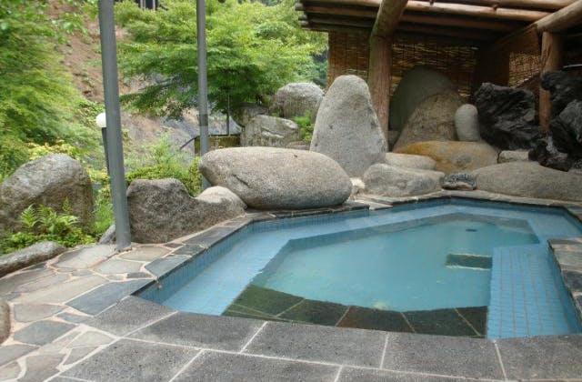 金の森山荘露天風呂