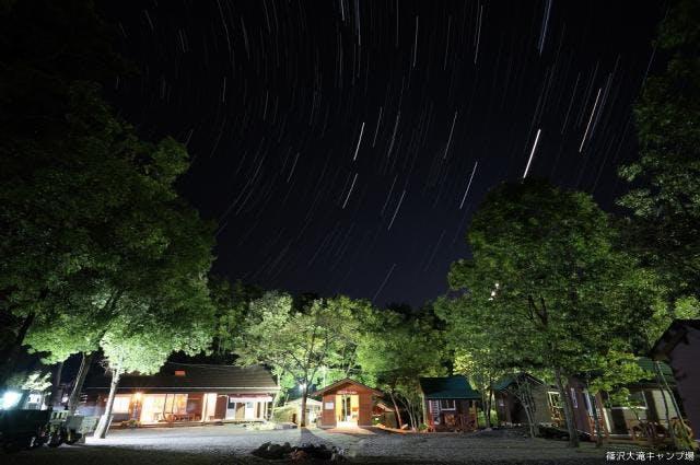 キャンプ場内夜