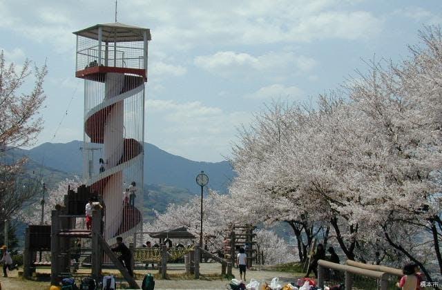 山頂の展望塔