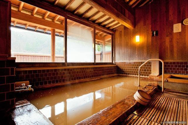加田の湯 檜風呂