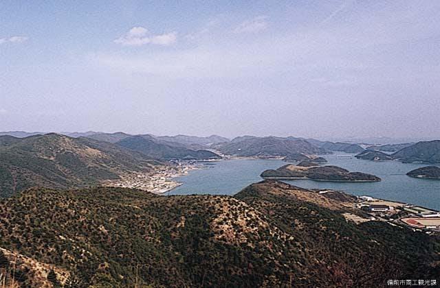 笹尾山から見た片上湾