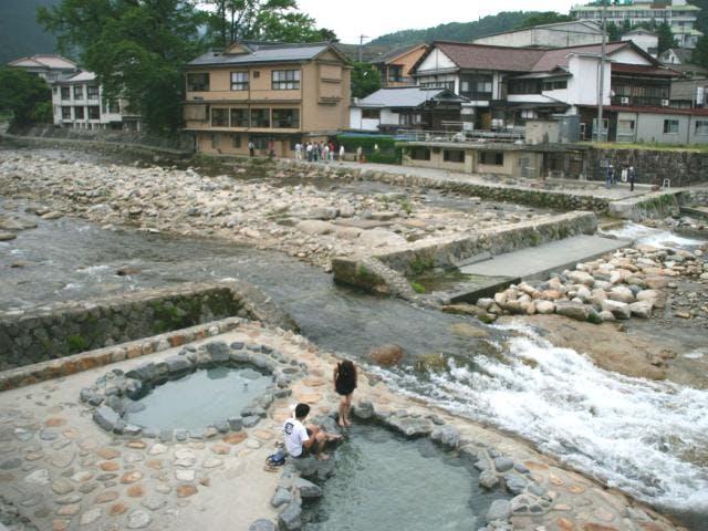 奥津温泉(吉井川)