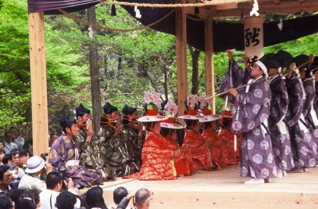 仁比山神社の御田舞