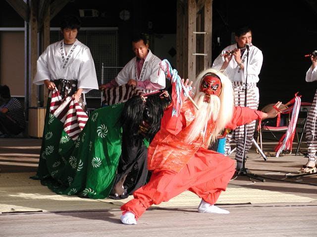貝津獅子駒舞