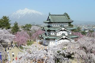弘前城天守と岩木山