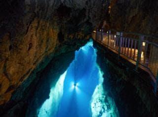 龍泉洞(第二地底湖)