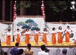 加茂の花踊り