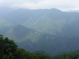 尾根道からの風景