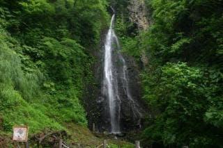 善根の不動滝