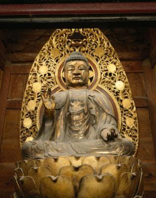 木造釈迦如来坐像