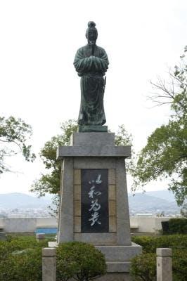 聖徳太子立像