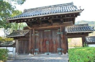 旧山口藩庁門3