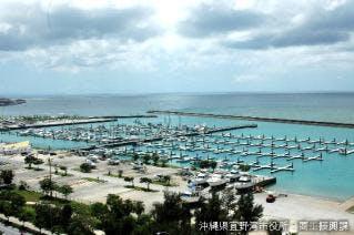 宜野湾港マリーナ